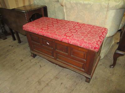 Oak-blanket-box