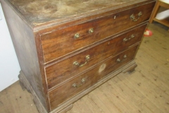 Antique-distressed-chest-of-drawers