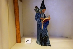 Lot-047-Royal-Doulton-Figurine-The-Wizard