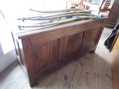antique-coffer