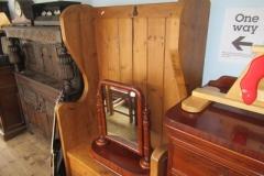 Large-pine-hall-chair