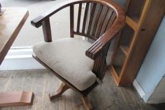 Modern-swivel-chair